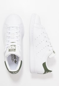 adidas Originals - STAN SMITH - Sneakers laag - footwear white/green - 0