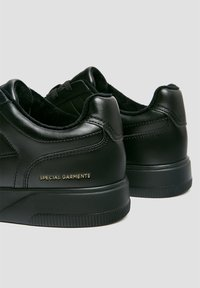 PULL&BEAR - Trainers - black - 6