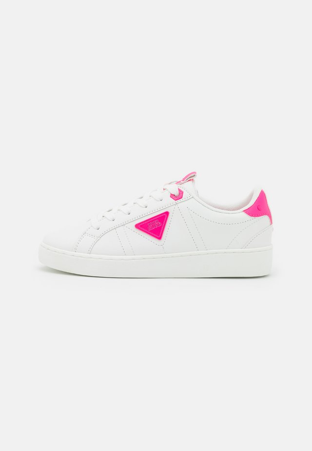 Sneakers laag - pink bright