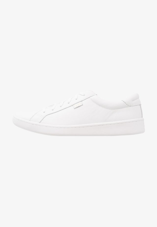 ACE - Matalavartiset tennarit - white