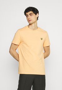 Lyle & Scott - PLAIN - T-shirt - bas - melon - 0