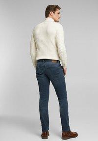 Esprit - Slim fit jeans - blue medium washed - 2