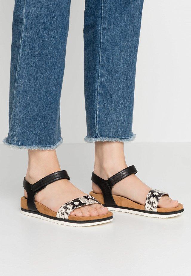 CERVERA - Sandaalit nilkkaremmillä - black