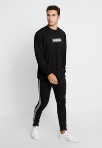 Napapijri The Tribe - SOX - Langærmede T-shirts - black - 1