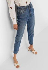 Stradivarius - Straight leg jeans - dark blue - 0