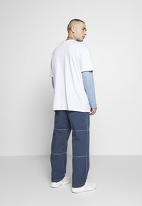 Kickers Classics - DRILL TROUSERS WITH TOPSTITCH - Tygbyxor - navy - 2