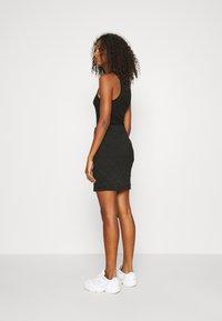 ONLY - ONLSPIRIT SHORT SKIRT - Pencil skirt - black - 2