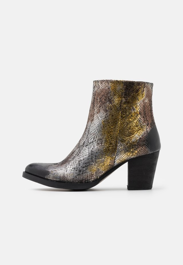 Classic ankle boots - disco
