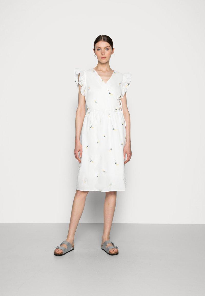 Love Copenhagen - FINKI DRESS - Day dress - snow white