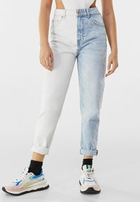 Bershka - Slim fit jeans - light blue - 0