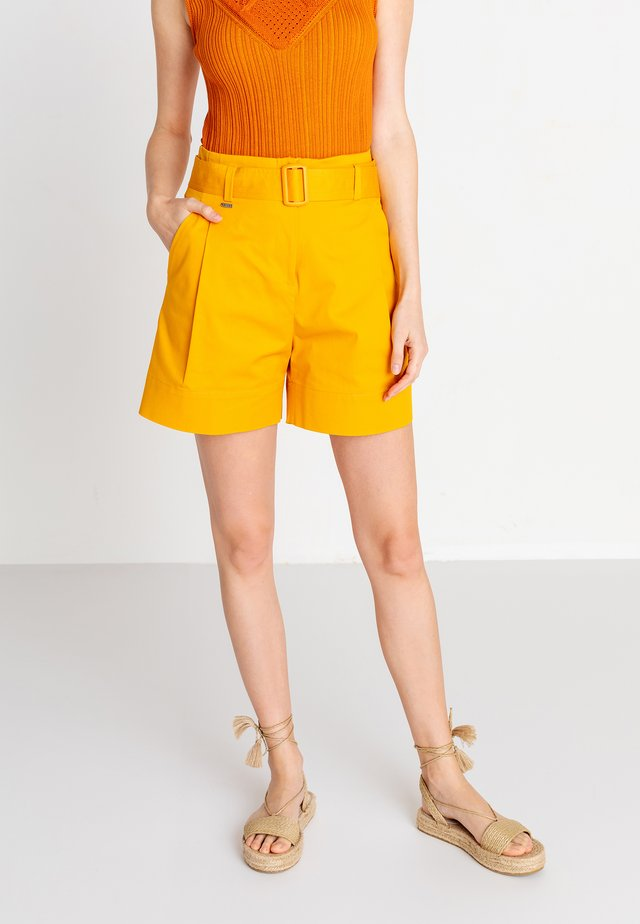 SOLID  - Shorts - golden