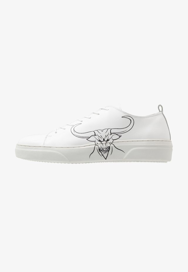 PREDATOR - Trainers - white sauvage