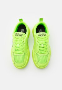 Versace Jeans Couture - Baskets basses - verde fluo - 3