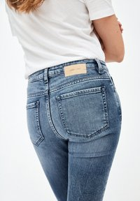 ARMEDANGELS - TILLAA - Slim fit jeans - stone wash - 4