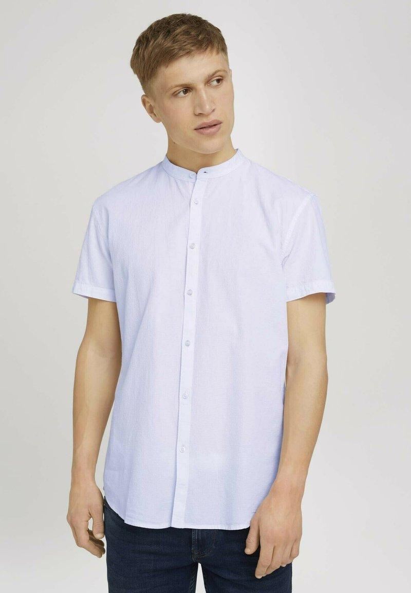 TOM TAILOR DENIM - MIT STEHKRAGEN - Shirt - white