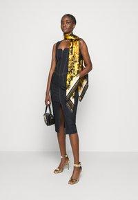 Versace Jeans Couture - LADY DRESS - Denim dress - indigo - 1
