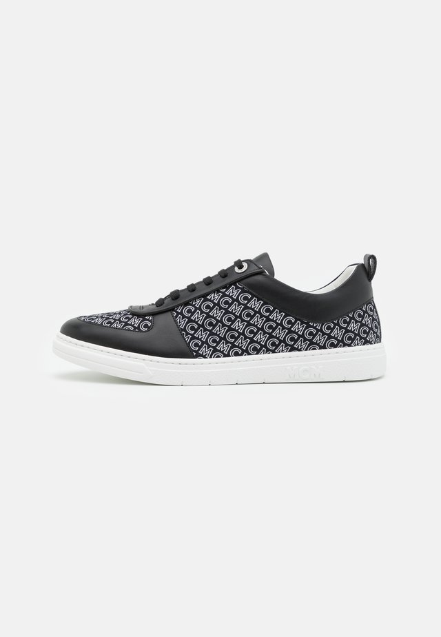 TERRAIN - Trainers - black