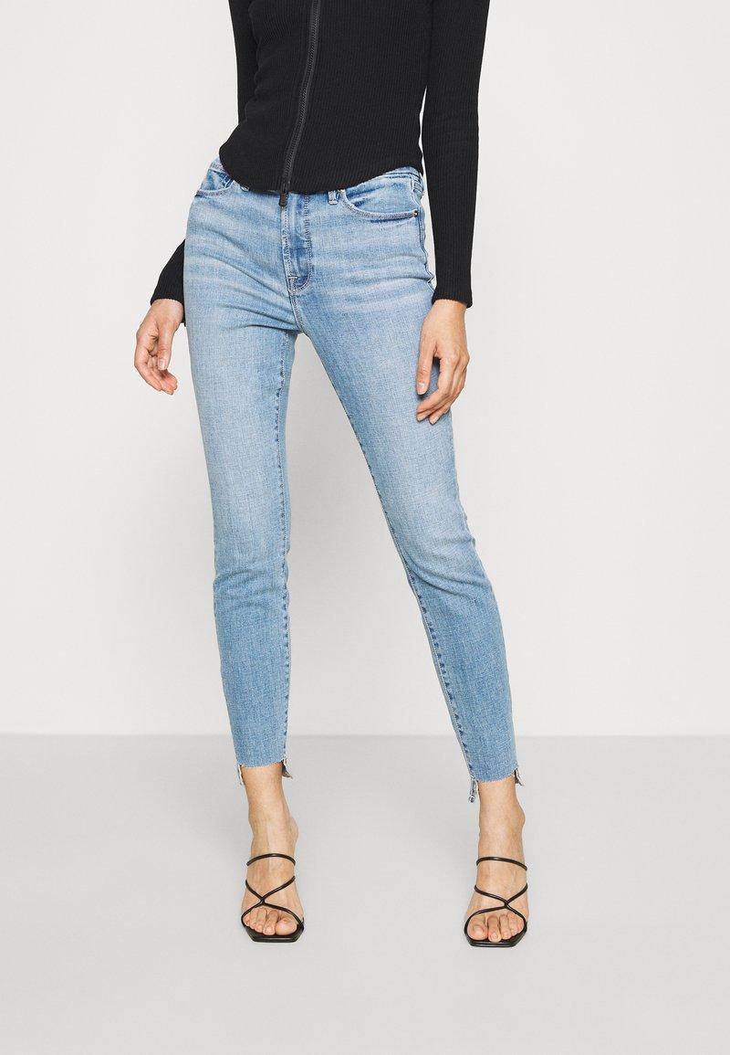 Good American - GOOD LEGS RAW  - Jeans Skinny Fit - blue