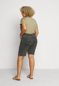 Zizzi - JALBA HIGH WAIST - Denim shorts - grey denim - 2