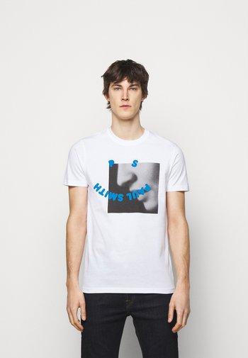 SLIM FIT PROFILE - Print T-shirt - white