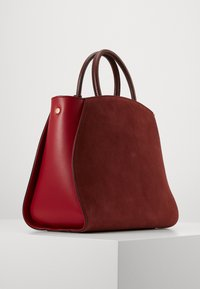 Coccinelle - CONCRETE BICOLOR - Handbag - marsala/cherry - 1