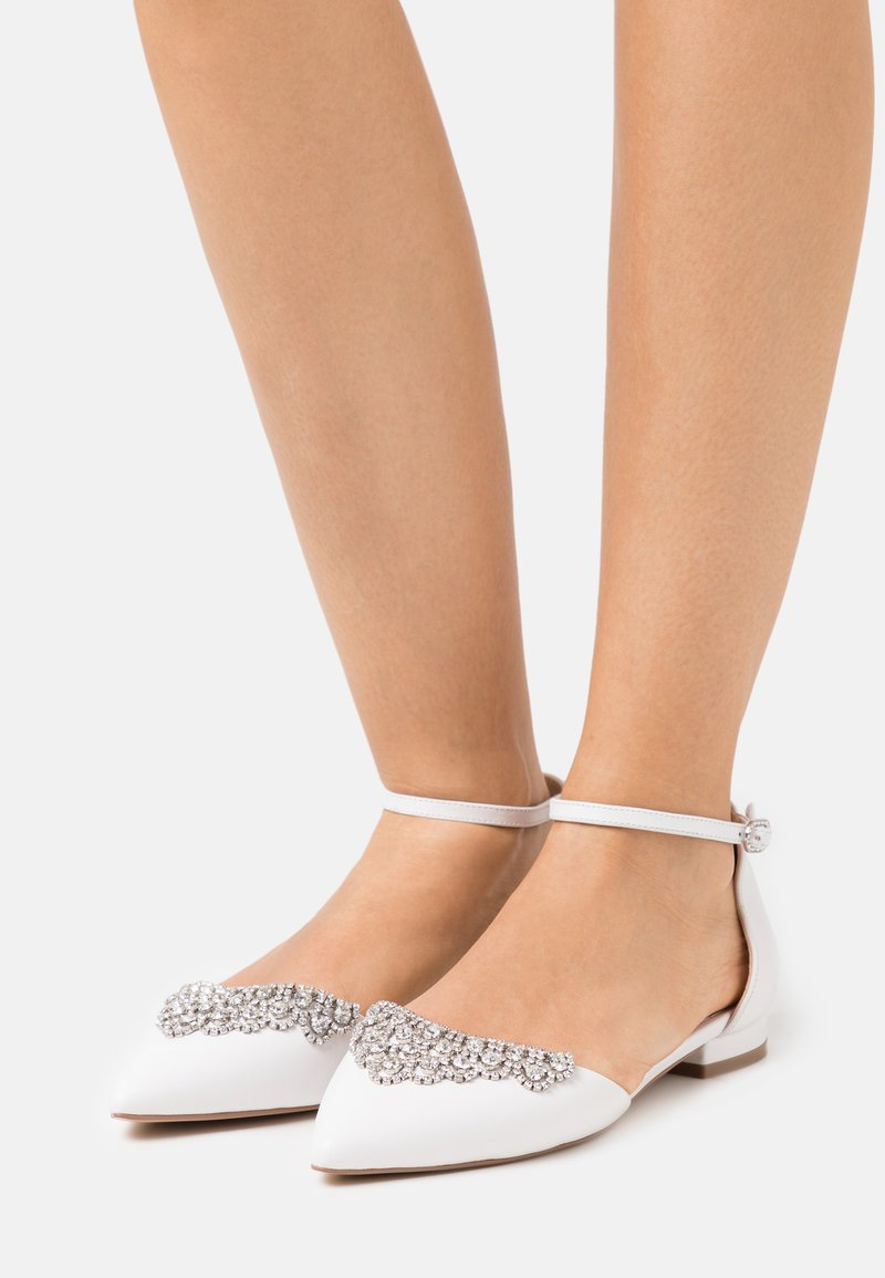 Lulipa London - LOULOU - Ballerinat nilkkaremmillä - white