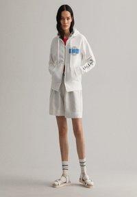 GANT - Zip-up hoodie - eggshell - 1