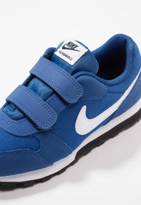 Nike Sportswear - MD RUNNER 2 BPV - Trainers - gym blue/white/black - 2