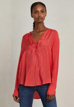 LANCEY - Blus - scarlet red