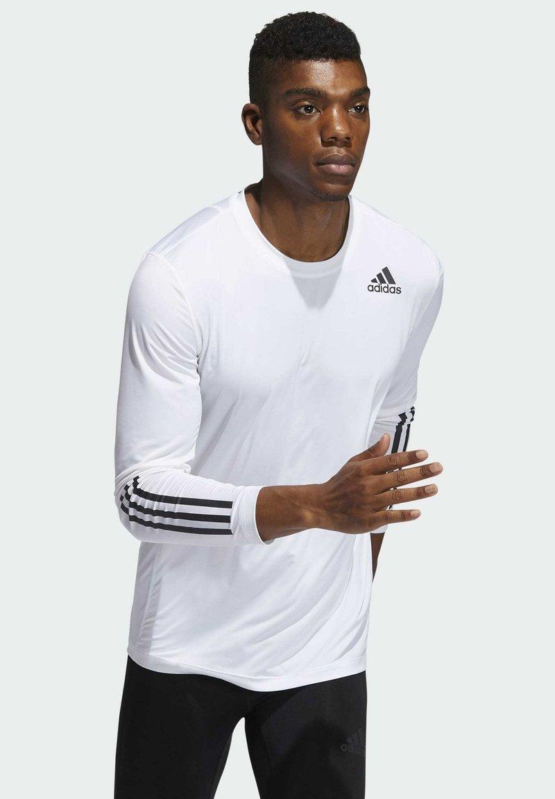 adidas Performance - 3 STRIPES PRIMEGREEN TECHFIT SPORTS LONG SLEEVE T-SHIRT - Camiseta de manga larga - white