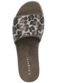 Bugatti - PANTOLETTEN - Sandaler - silver/grey 1315 - 5