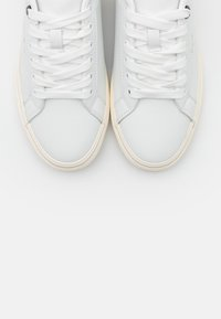 Pepe Jeans - KENTON BASIC WOMAN - Trainers - white - 5