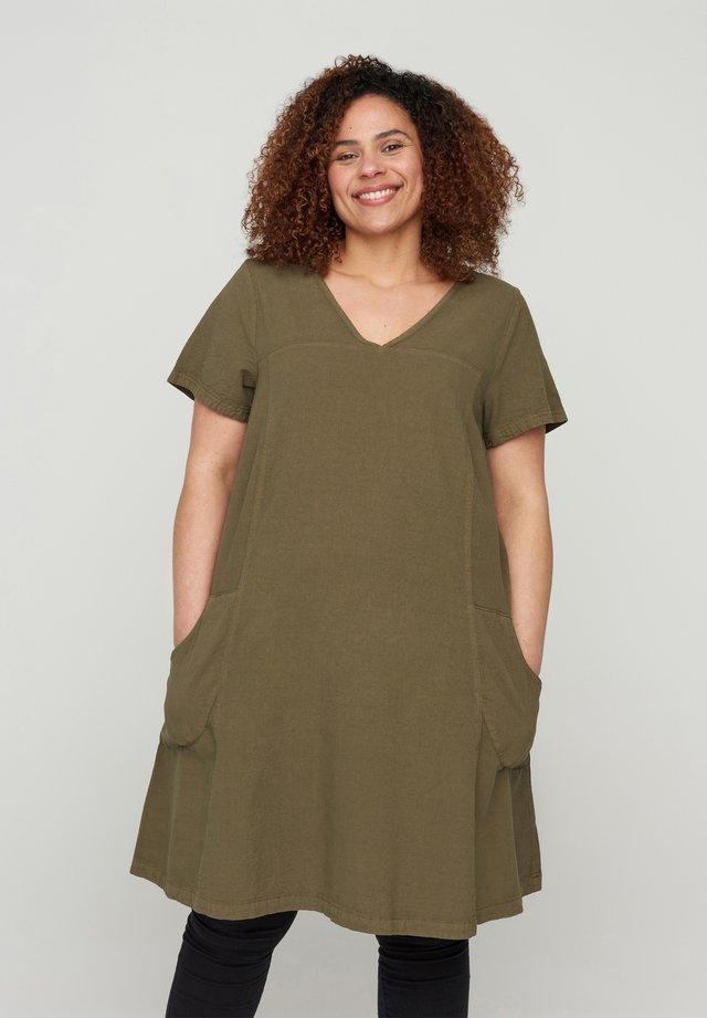 Korte jurk - ivy green