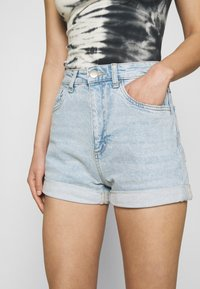Cotton On - HIGH RISE CLASSIC STRETCH - Shorts di jeans - light blue denim - 5