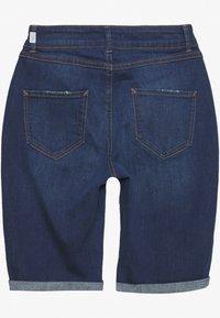 Dorothy Perkins - KNEE SHORT - Denim shorts - dark-blue denim - 1