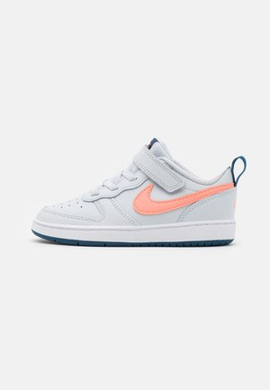 COURT BOROUGH LOW 2  - Zapatillas - pure platinum/atomic pink/valerian blue/white