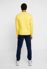 adidas Originals - TREFOIL PANT UNISEX - Teplákové kalhoty - collegiate navy - 2