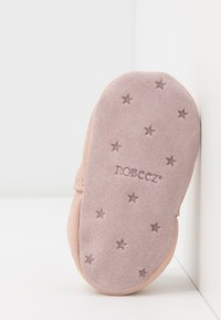 Robeez - FIRE STAR - First shoes - rose/clair - 4
