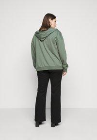 Even&Odd - REGULAR FIT ZIP UP HOODIE JACKET - Zip-up sweatshirt - green - 3