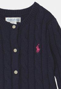 Polo Ralph Lauren - PEPLUM  - Gilet - navy/pink - 2