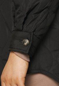 Vero Moda Curve - VMSIMONELOA SHIRT JACKET - Light jacket - black - 6