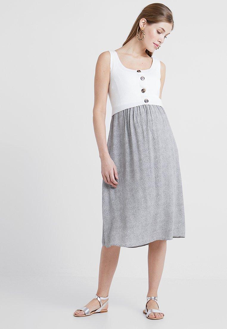 Seraphine - BRISTOL BUTTON DETAIL NURSING DRESS 2-IN-1 - Strikket kjole - white/sand