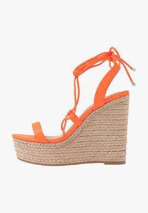 HULA - Sandály na vysokém podpatku - orange neon