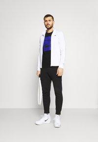 Lacoste Sport - GRAPHIC - Print T-shirt - black - 1