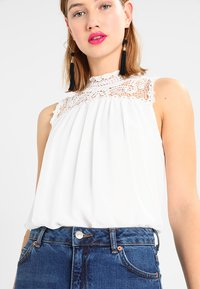 ONLY - ONLNEW CAT  - Bluse - cloud dancer - 4