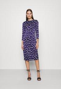 Who What Wear - TRIPLE BOW DRESS - Denní šaty - navy - 0