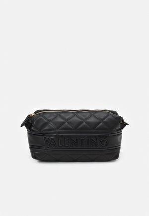ADA - Wash bag - nero