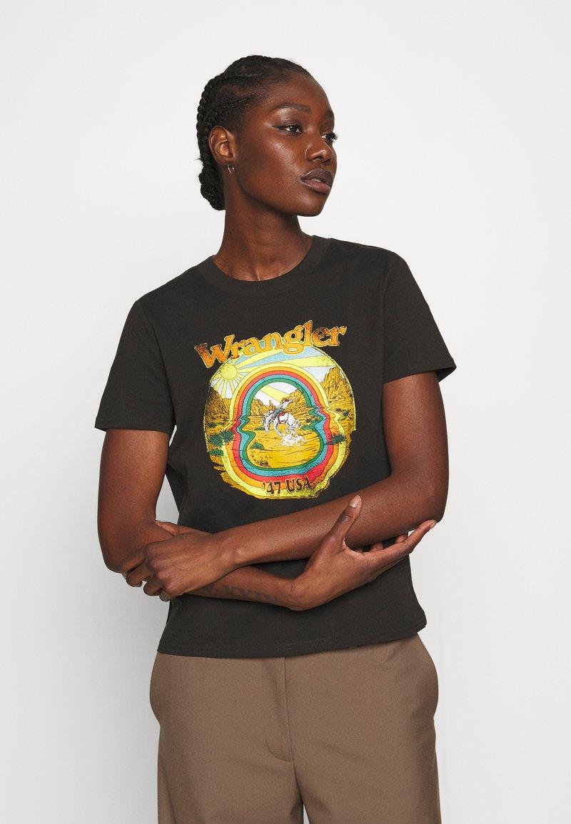 Wrangler - HIGH REGULAR TEE - Print T-shirt - washed black