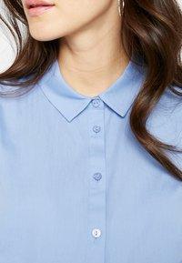 Zalando Essentials Maternity - Button-down blouse - light blue - 3