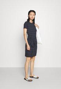 Club Monaco - TWANSIA DRESS - Jersey dress - stripe - 1